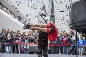 Cirko-Vertigo-a-Expo-Milano-2015-14
